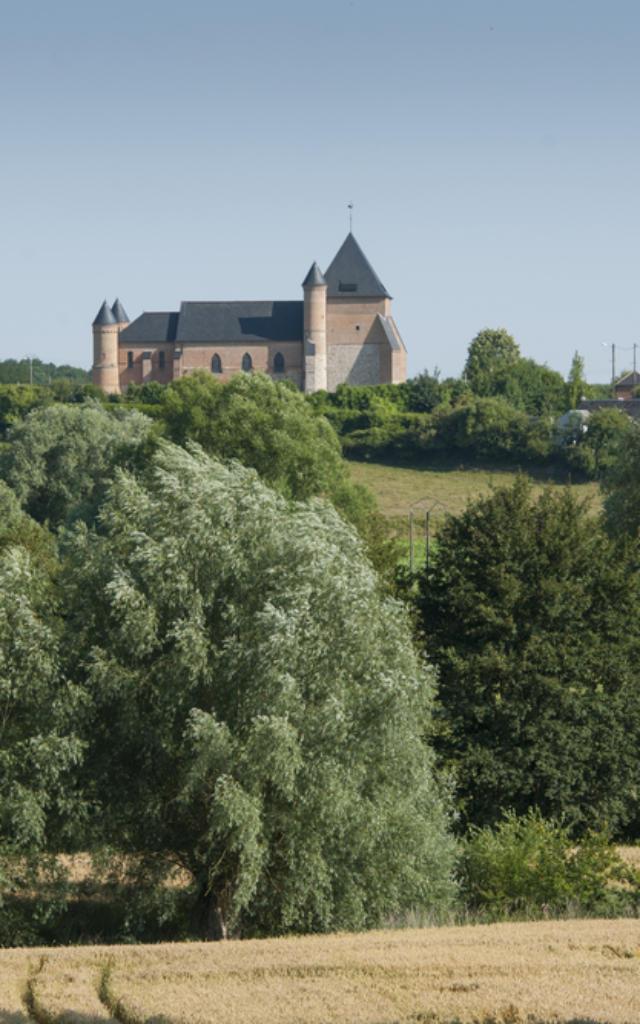 Flavigny Le grand l'eglise fortifiee