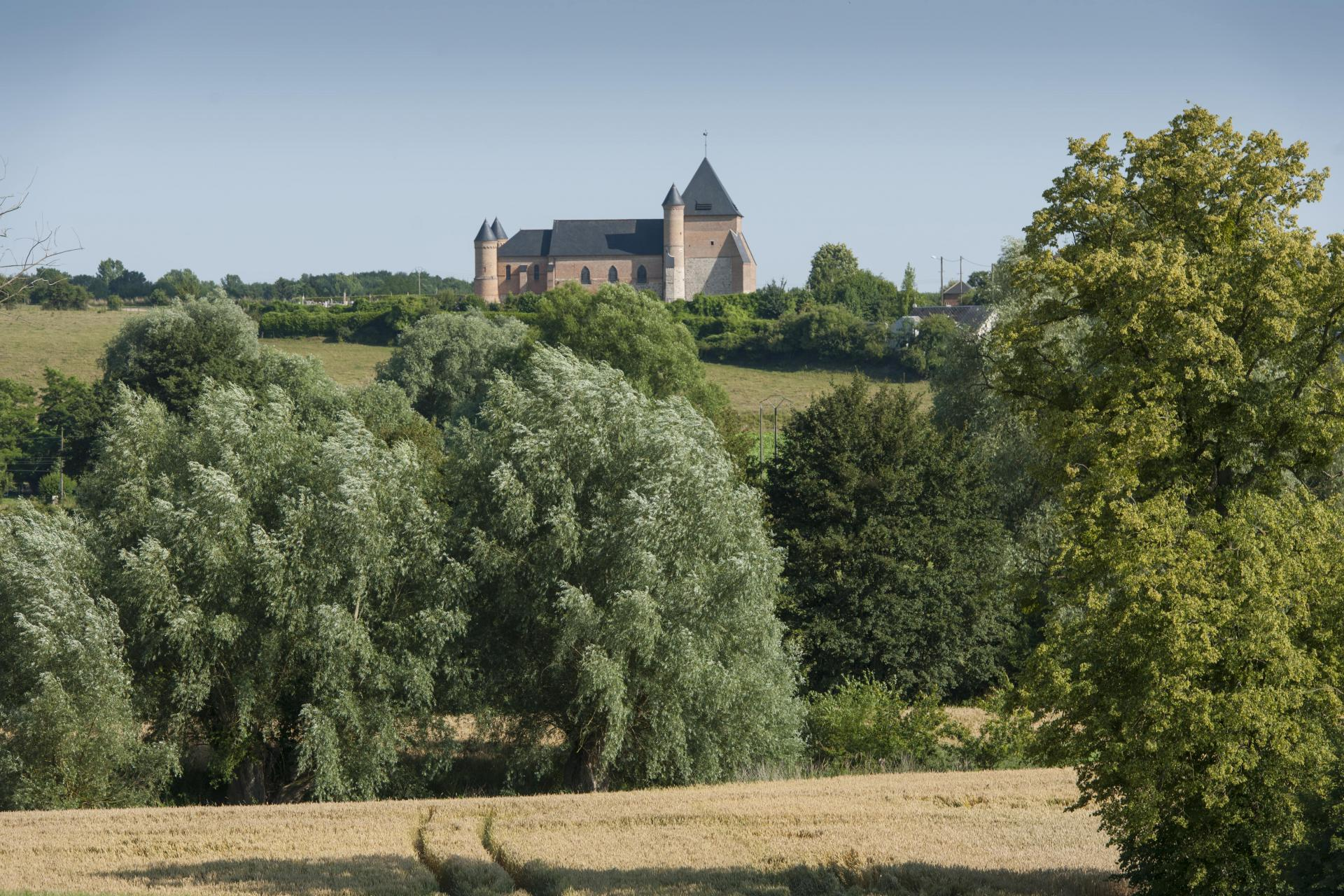 Flavigny Le Grand L'eglise Fortifiée (1) Min