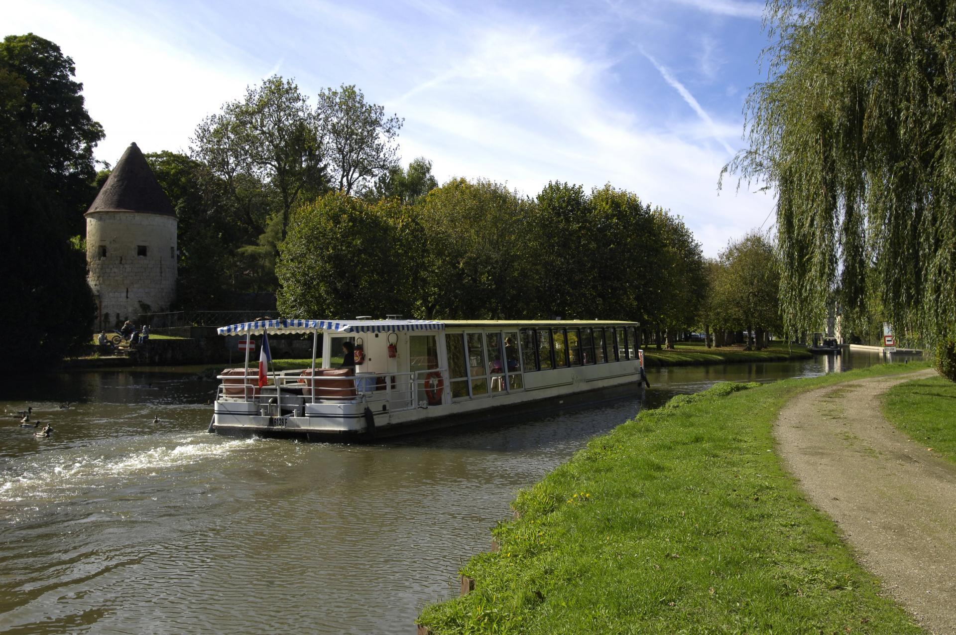 Promenade Fluviale Port Aux Perches Min (1)